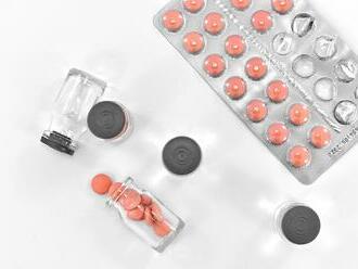Mimo lekárne hrozí riziko kúpy falšovaných liekov. Častokrát obsahujú nebezpečné látky, varuje ŠÚKL