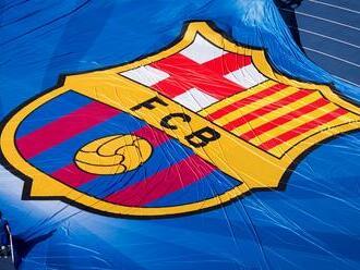 Hráčov FC Barcelona preverujú, možno porušili ochranné opatrenia