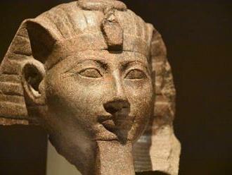 Hatšepsut – kráľ starovekého Egypta. Bola však ženou a jej meno chceli vymazať z histórie