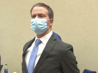 Expolicajt Chauvin, usvedčený z vraždy Floyda, požiadal o nový súdny proces