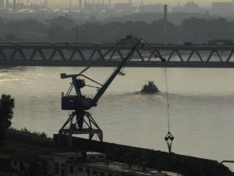 Prístavný terminál na plyn v Bratislave môžu zastaviť aj nevybuchnuté bomby