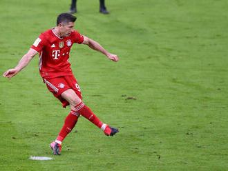 Bayern oslávil titul deklasovaním súpera. Lewandowski pomohol hetrikom