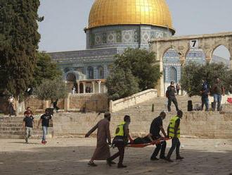 Násilnosti v Jeruzaleme pokračujú, sú tam stovky zranených