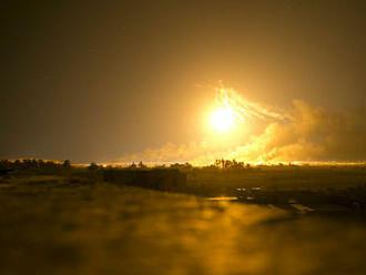 Izraelské letecké útoky zničili budovu v Gaze, Hamas reagoval raketovými útokmi