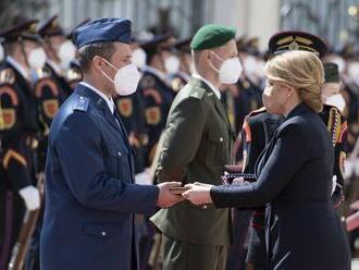 Prezidentka udelila vojakom medaily, poďakovala im za boj proti pandémii