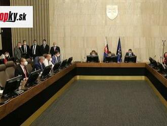 Dnes opäť zasadá vládna koalícia: Má rokovať o štátnom záverečnom účte aj o dlhu v zdravotníctve