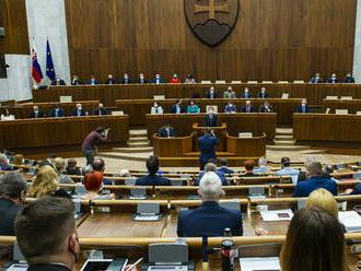 Parlament vyslovil dôveru vláde Eduarda Hegera