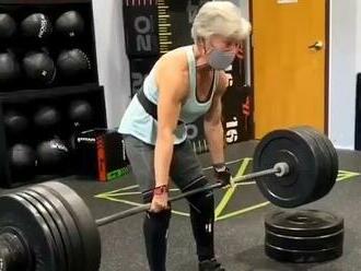 VIDEO: Má 71 rokov, cíti sa o tridsať menej. Babička je držiteľkou viacerých rekordov