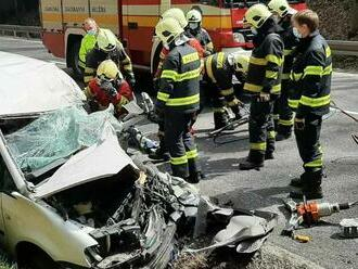 Tragická dopravná nehoda na Donovaloch, o život prišla jedna osoba