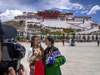 V Tibetu bují turismus, což představuje riziko pro památky a přírodu