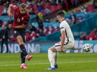 Souček už se po své střele chtěl proti Anglii radovat z gólu, ale minul
