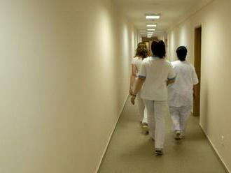 Rezort zdravotníctva: Sestry môžeme udržať finančou motiváciou