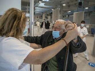 Región Madridu zrýchľuje vakcináciu ľudí vo veku 60 až 69 rokov pre obavy z indického variantu