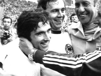 Politika bola všade, tak ju chceli napasovať aj na futbal. Ako sa zokupovaného Nemecka stala futbalová veľmoc