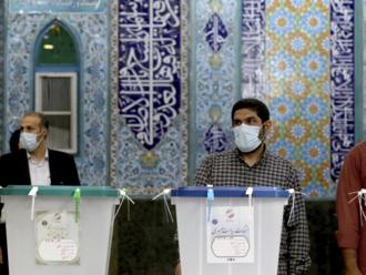 Irán sa voľbami pripravuje na veľké zmeny. Favorit je jasný a má veľké ambície