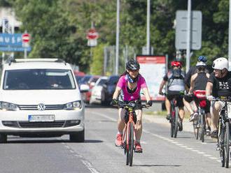 Národný cyklokoordinátor: Cyklistu treba obísť v druhom jazdnom pruhu