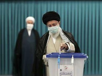 Irán si volí nového prezidenta, Rúhání kandidovať nemôže