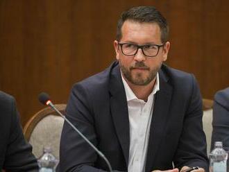 Andreja Holáka vo štvrtok podvečer prepustili zo zadržania, potvrdil jeho advokát