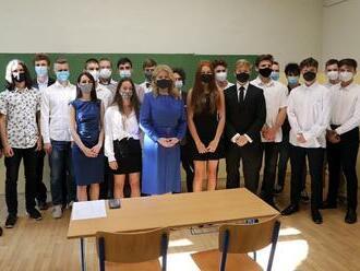 Výnimočné odovzdávanie vysvedčení na priemyslovke: Stredoškolákov navštívila Čaputová