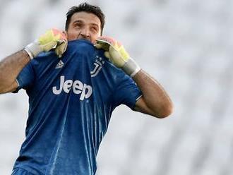 Má síce 43 rokov, no stále si vyberá: Gianluigi Buffon dal košom hviezdnemu tímu!