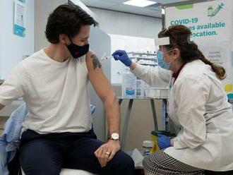Zaočkovanosť v Európe: Aspoň prvú dávku vakcíny dostala už polovica dospelých