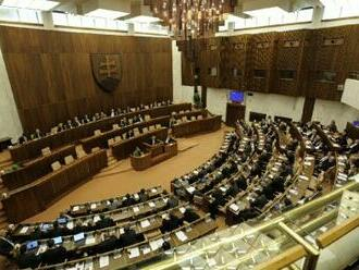 Slovenský parlament bude jednat o zákoně zvýhodňujícím očkované