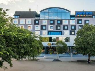 Neezabudnuteľný víkend pre dvoch v Park Inn Danube Bratislava s raňajkami v cene.
