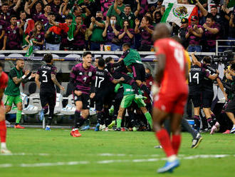 Mexiko rozhodlo o postupe v 99. minúte, vo finále vyzve USA