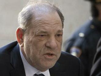 Sexuálny predátor z Hollywoodu: Na bývalého amerického producenta sa sypú ďalšie obvinenia