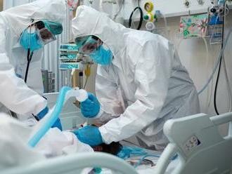 Odmena za ťažký rok: Zamestnancom britskej Národnej zdravotnej služby zvýšia platy