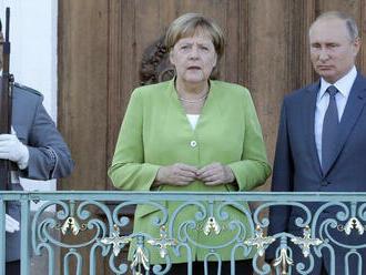 Merkelová telefonovala s Putinom; hovorili aj o plynovode Nord Stream 2