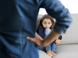 Vyskúšali ste vo výchove dieťaťa telesné tresty? Vedci vysvetlili, prečo robíte chybu