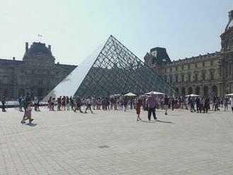 Francúzsko sprísňuje opatrenia. Do spoločnosti sa dostanete len s negatívnym testom či covid pasom