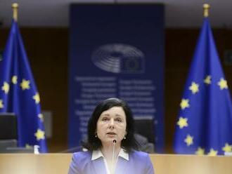 Jourová: Výnimočný stav v Poľsku dokazuje závažnosť migračnej krízy