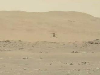 Ingenuity čeká na Marsu rizikový pokusný let kvůli klesající hustotě atmosféry