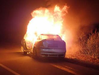 Vblízkosti obce Skaštice vokresu Kroměříž došlo kpožáru osobního automobilu. Na místě zasahovala…