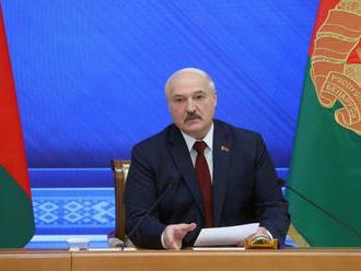 Muža, ktorý verejne urazil prezidenta Lukašenka, odsúdili na 1,5 roka