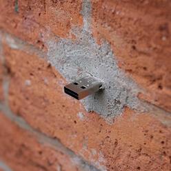 Článek: Nebezpečí ukrytá v USB: z nuly na škvarek za pět sekund