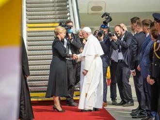 Pápež František sa bude modliť za pokoj a blaho slovenského národa, Čaputovej pri rozlúčke vyjadril úprimnú sústrasť