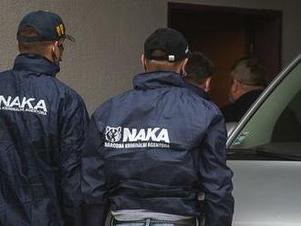 Zadržanie príslušníkov NAKA: Obvinení majú byť aj zvyšní dvaja vyšetrovatelia. Uznesenie policajnej inšpekcie prináša odposluchy, v ktorých príslušníci NAKA debatujú, aké trestné činy prišiť príslušníkom inšpekcie a radili sa o vykonštruovaní obvinení