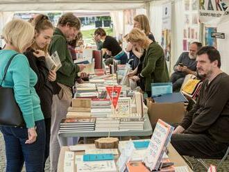 Český knižní trh za pandemie klesl až o 15 procent