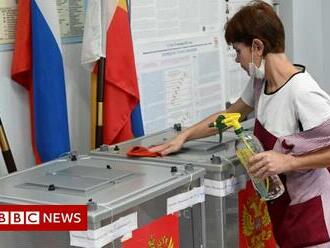 Russian election: Opposition smart app removed as vote begins