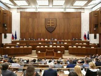 Parlament bude rokovať o raste cien energií, poslanci prediskutujú aj plynovod Nord Stream 2