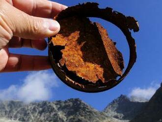 Dobrovoľníci vyzbierali v rámci akcie Čisté hory viac ako 850 kilogramov odpadu