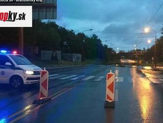 Katastrofálne piatkové ráno: VBratislave zaplavilo hlavný ťah, tvoria sa rozsiahle kolóny!