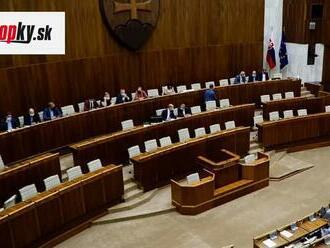 Národná rada zasadá aj dnes: Plénum odštartovalo rokovací deň úpravou atómového zákona