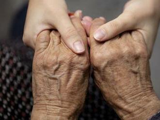 Starenka   vykonáva nebezpečnú prácu: Na dôchodok ani nemyslí, v šoku je aj jej lekár