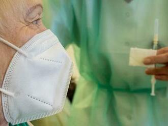 Očkovanie proti COVID-19 v Švédsku napreduje: Tretiu dávku dostanú ďalšie skupiny ľudí