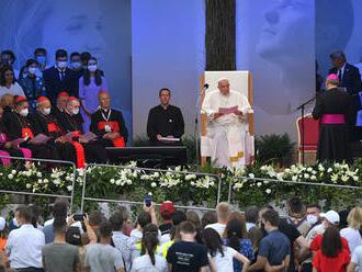 Snívajte o kráse, ktorá je viac než len módne trendy, odkázal pápež mladým v Košiciach