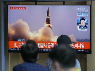 Severná Kórea odpálila dve balistické strely, tvrdí Južná Kórea